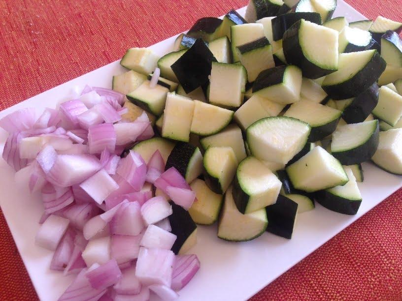 Tarte tatin de courgettes, oignon rouge et mozzarella