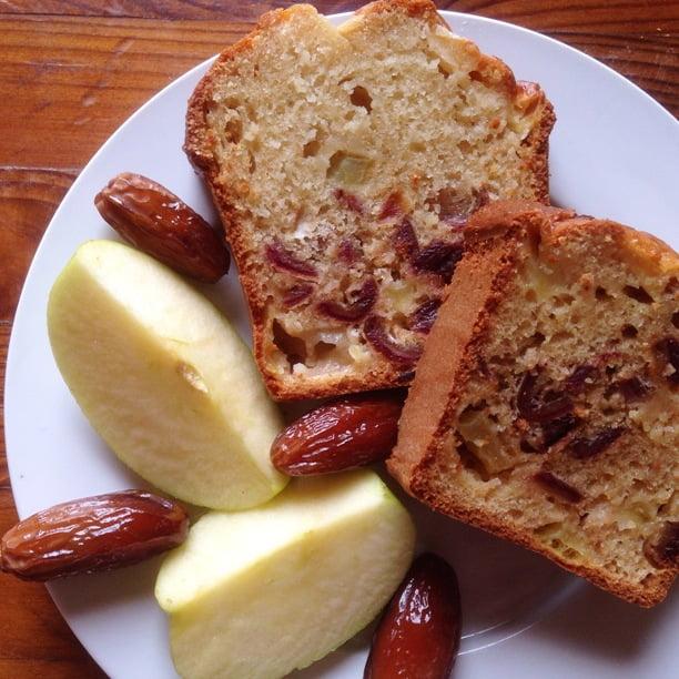 Le Cake aux Dattes et aux pommes