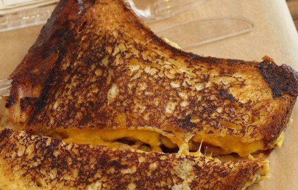 «La bonne conscience n'a jamais nourri personne», allez faire un tour à la Grilled Cheese Factory!