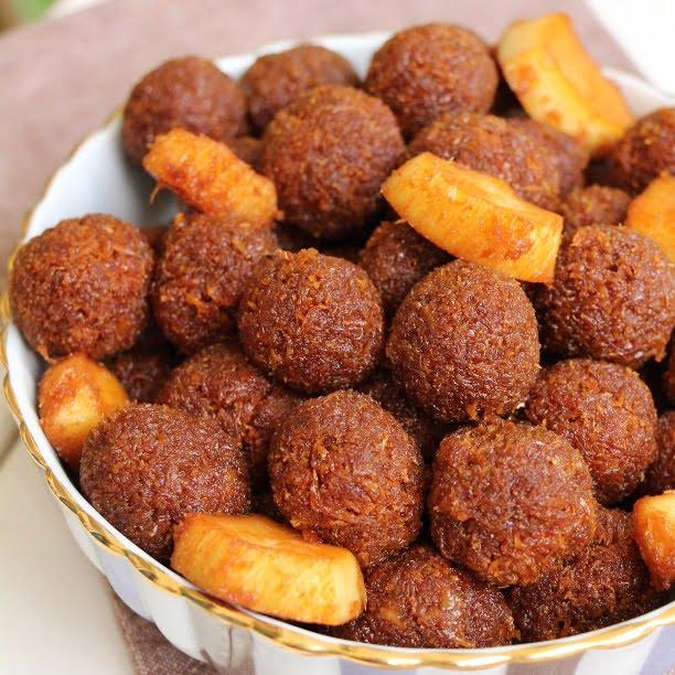 Confits coco (Boules de coco râpées caramélisées)
