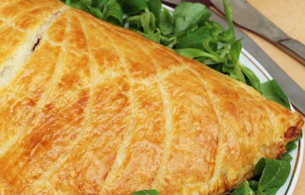 Feuilleté gourmand au jambon, fromage, tomates et champignons!
