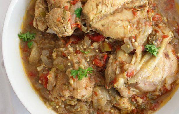 Kedjenou de poulet ivoirien