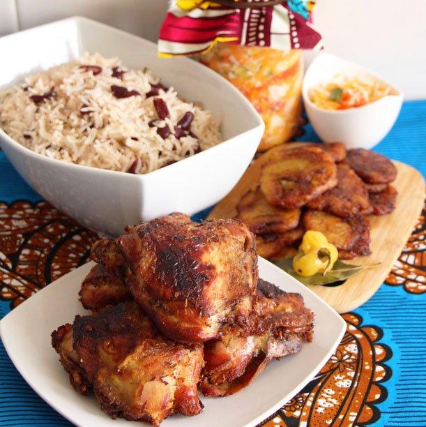 Poulet haïtien, façon griot ! (Pikliz, riz collé & Patacones)