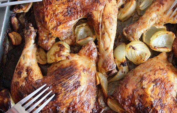 Cuisses de poulet dorées au four