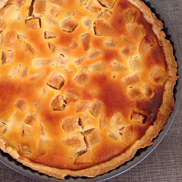 La tarte aux pommes parfumée à l'amande