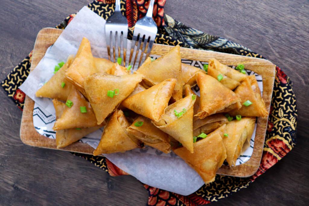 #LGDK : Samoussas au poulet, curry et emmental râpé fondant