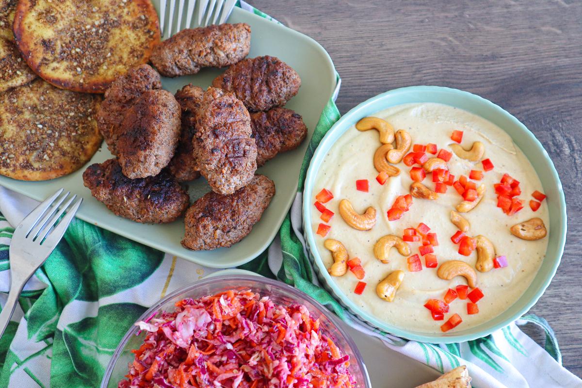 #LGDK : Salade de choux, Keftas épicées & Houmous maison !